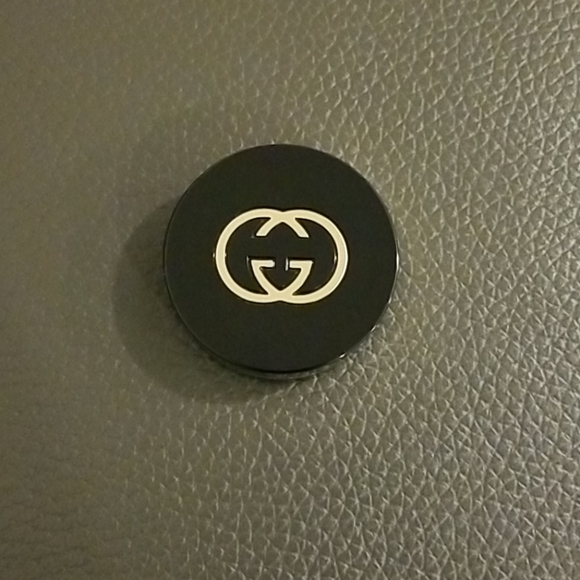 Gucci Other - Gucci Eye Magnetic Color Shadow Mono - Original Se